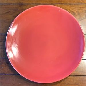 3 red plates